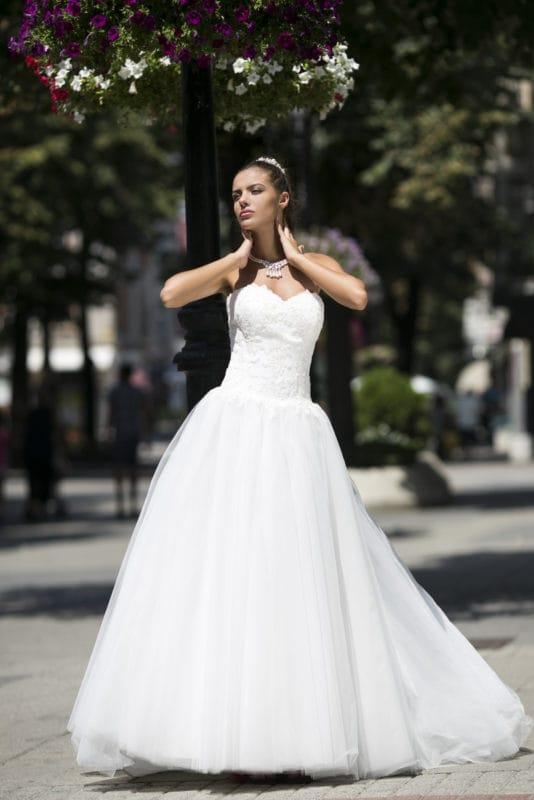 abito da sposa modello Violetta