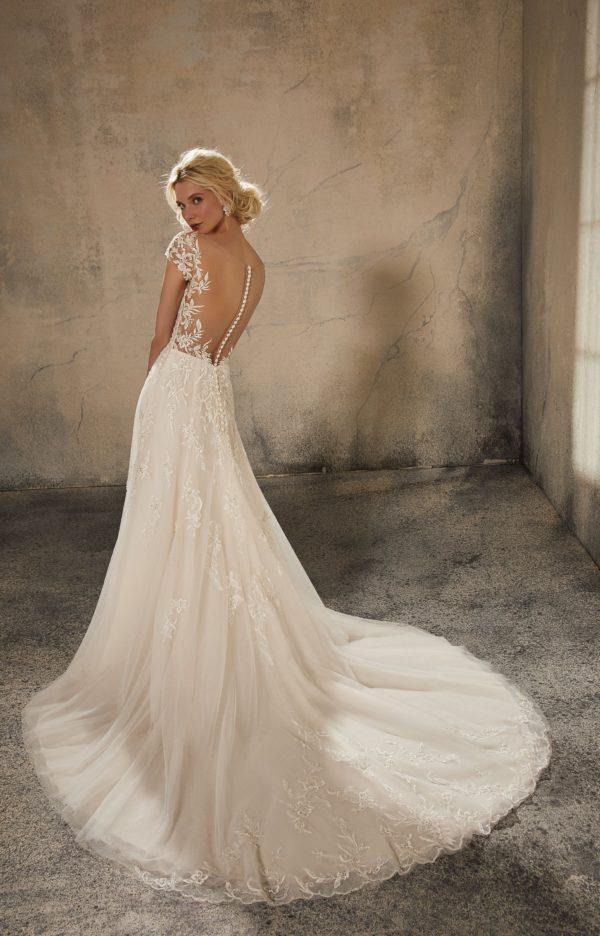 51586 -Bellissimo abito da sposa in pizzo con maniche, 51586